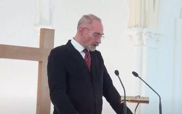 """""""Et Pierre Devient un Disciple Actif"""""""